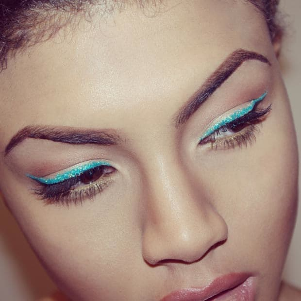 Festive coloured liner