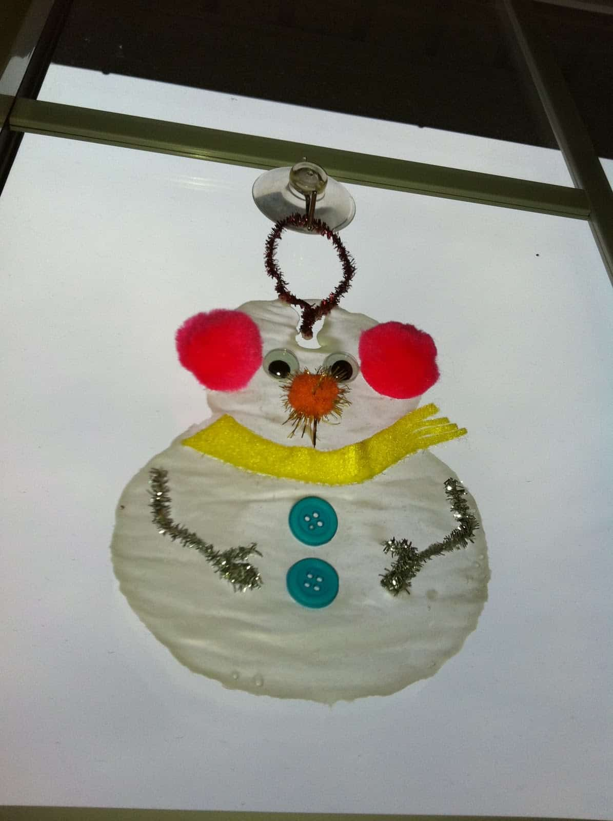 Glue snowman window cling