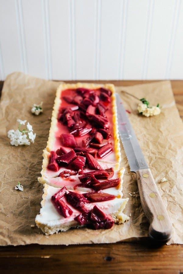 Rhubarb vanilla bean panna cotta tart