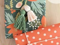 Yarn Tassels 200x150 12 DIY Ideas for Neatly Wrapped Gifts