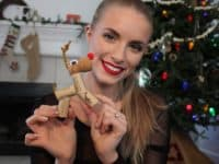 wine cork reindeer 200x150 Love Rudolph? Wait Till You See These Reindeer Crafts!