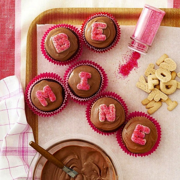 Alphabet cookie message cupcakes