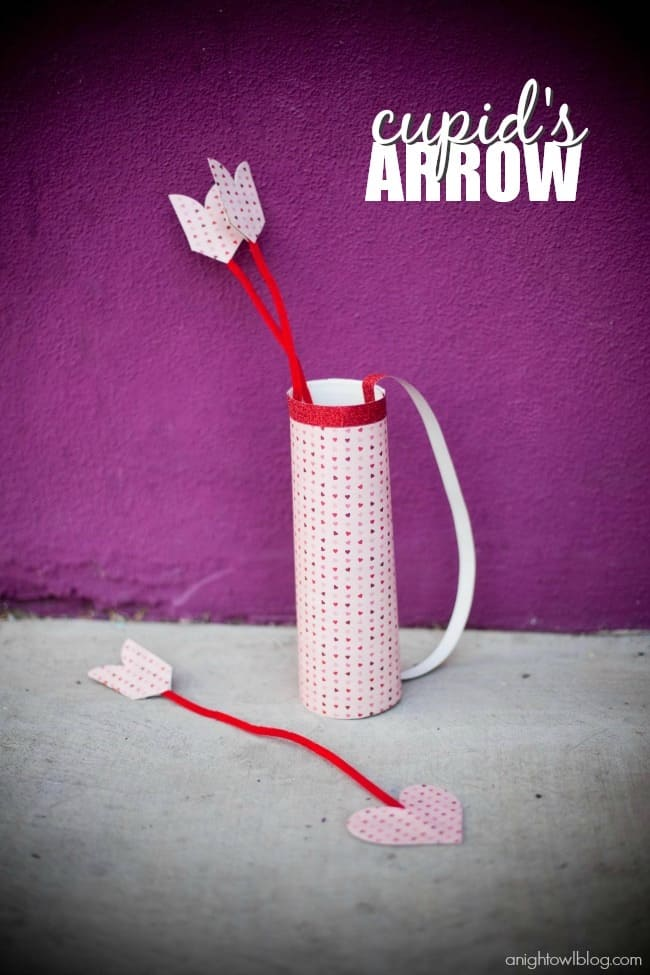 Cupid's arrows and quiver (with soft arrows)