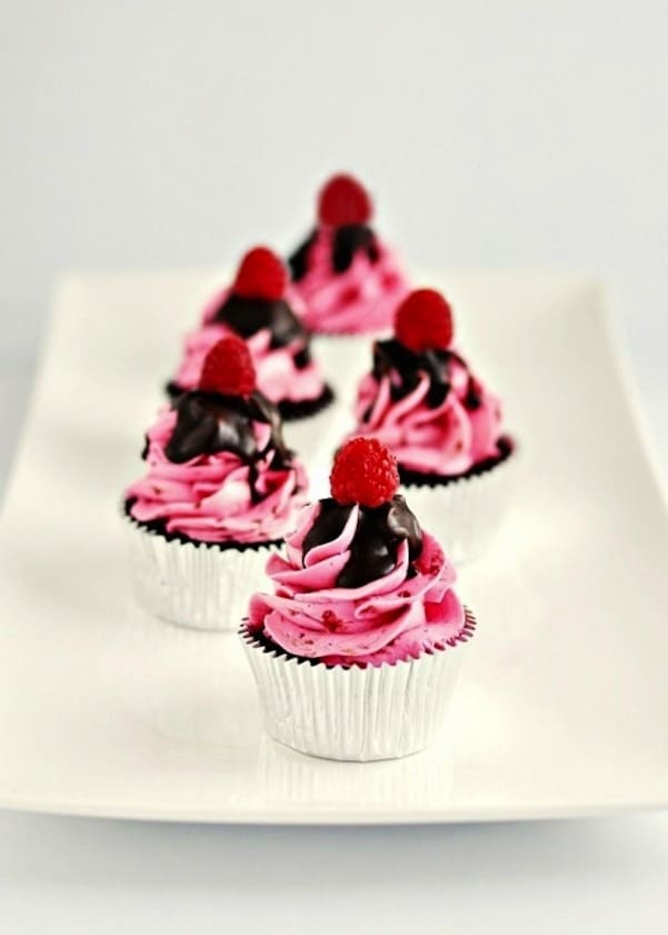 Dark chocolate raspberry buttercream cupcakes