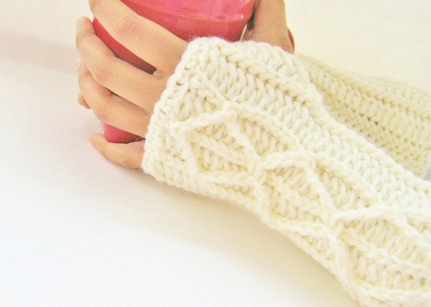 Elegant cable fingerless gloves