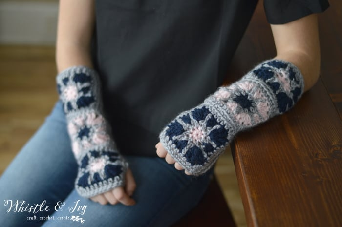 Starburst fingerless gloves