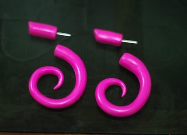 Faux plug spirals