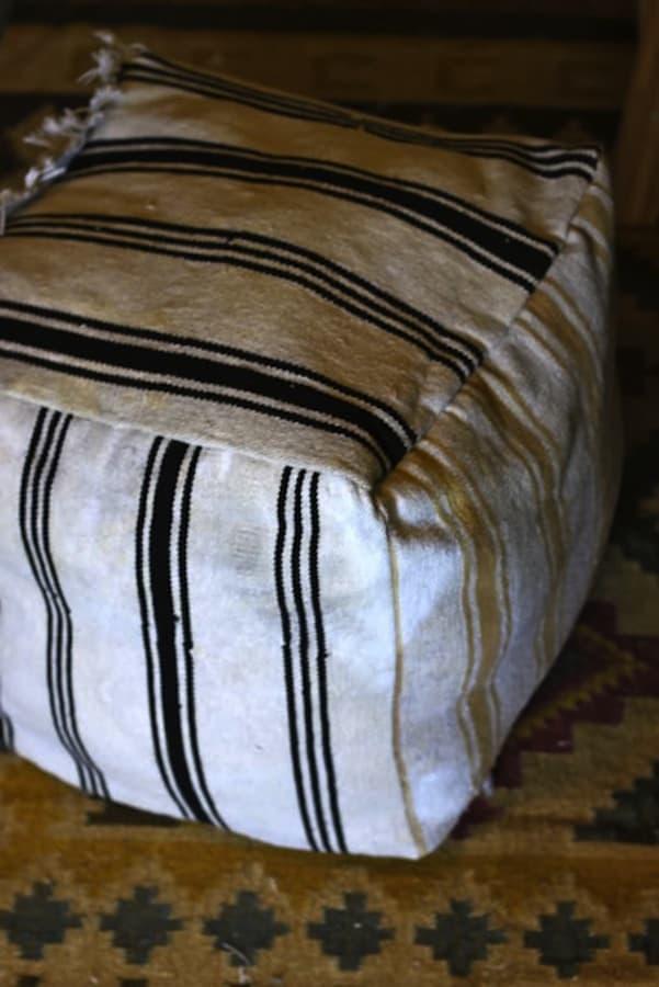 Floor mat ottoman