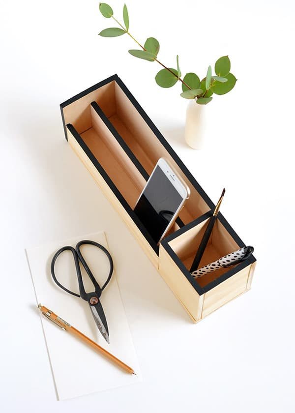 Minimal desk organizer