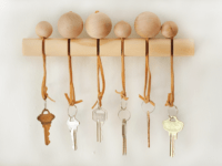 Wooden beads key holder  200x150 Never Lose Your Keys Again: DIY Key Holders
