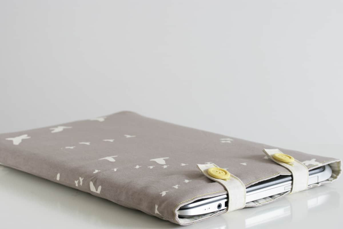 Button up laptop sleeve