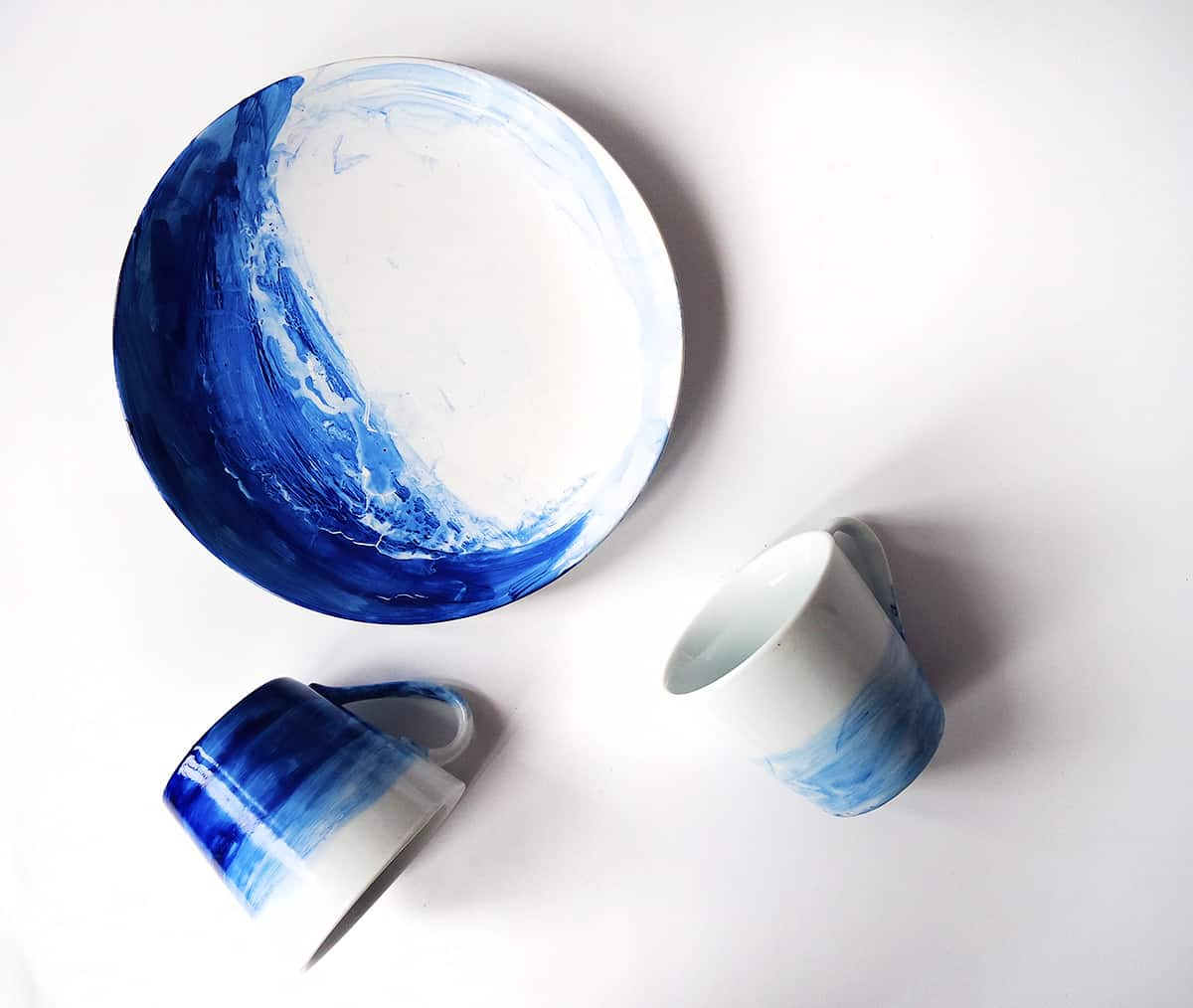 Color painted dinnerware