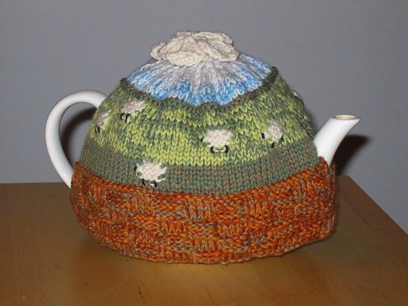 Counting sheep tea cozy