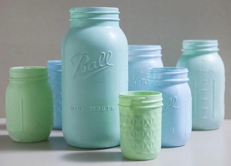 Pastel chalkboard mason jars