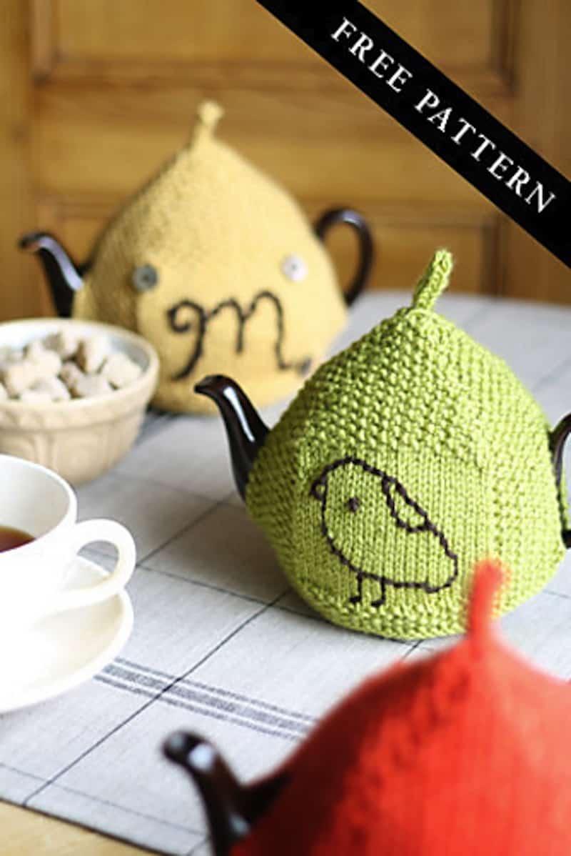 Seed stitch tea cozy