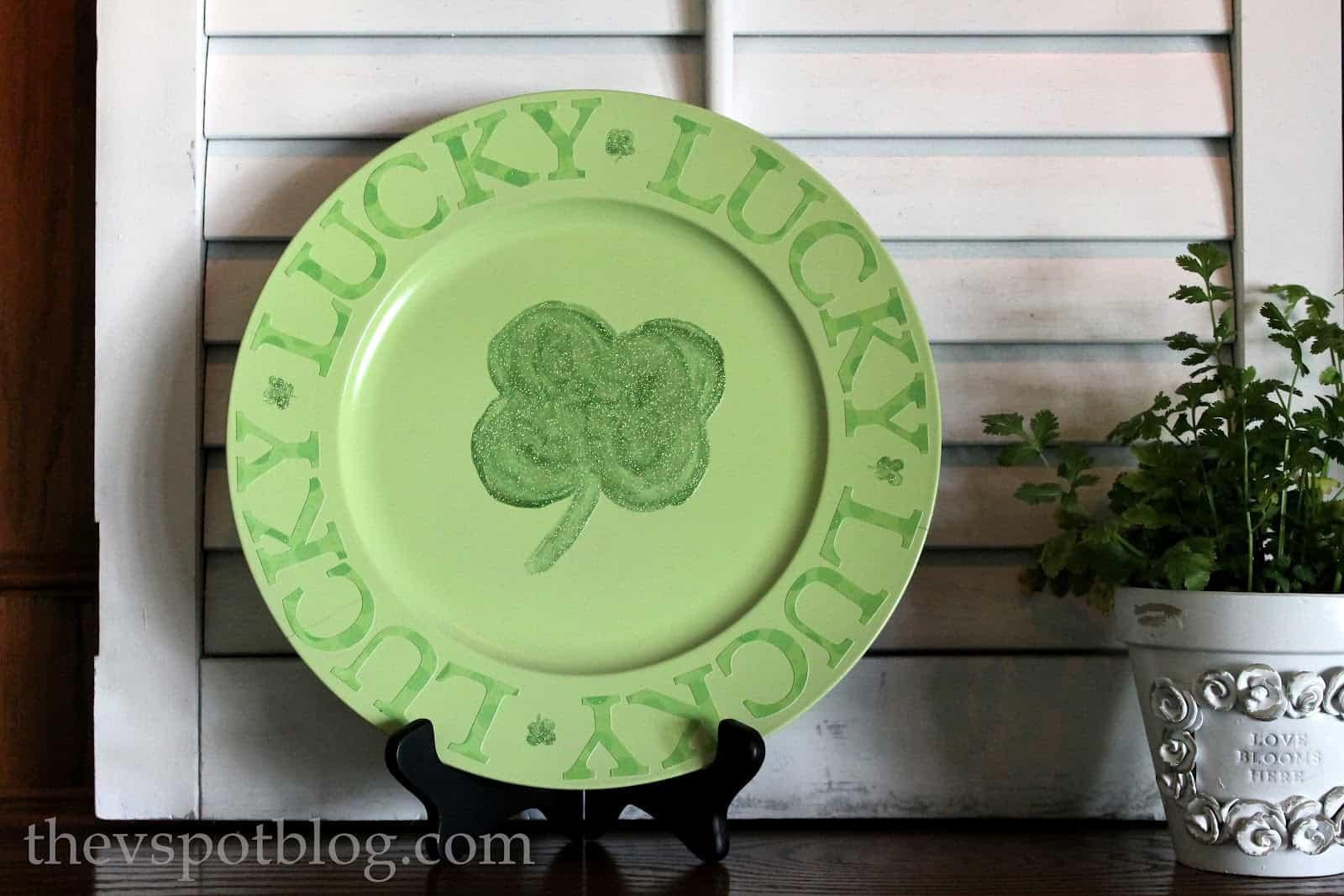 Shamrock plate decoration
