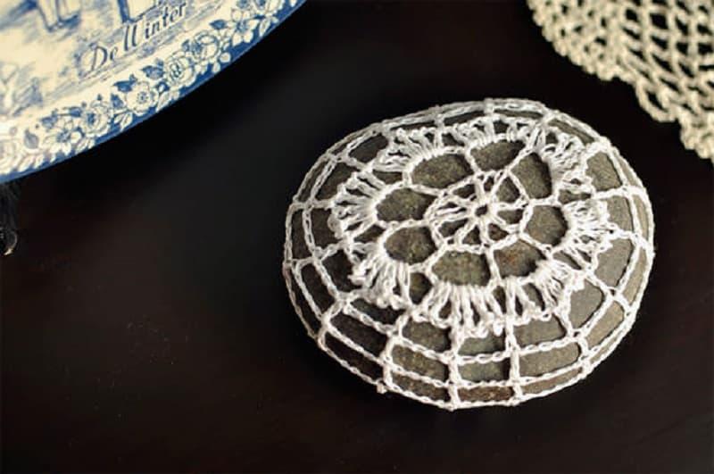 Crocheted lace rocks
