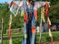 DIY Scarecrows: Farmer's Raggedy Helpers