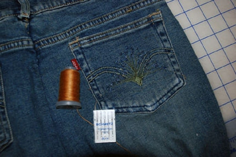 Embroider the pocket