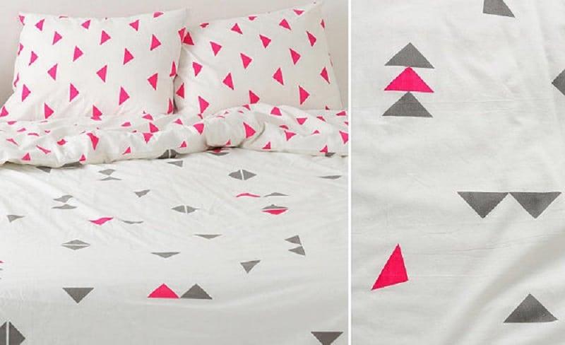 Geometric triangle duvet