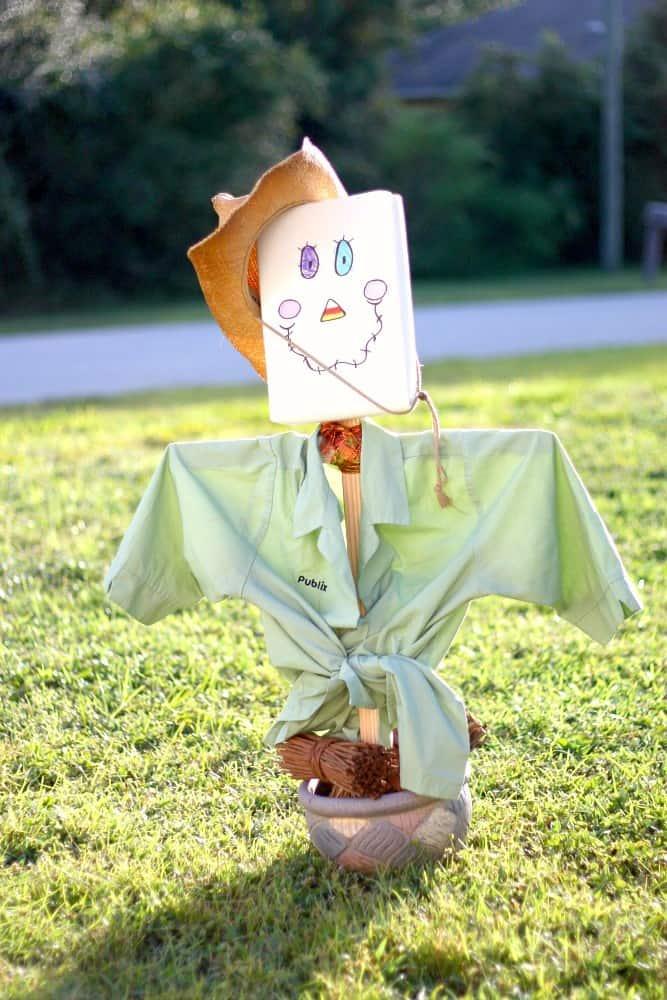 Kid's scarecrow