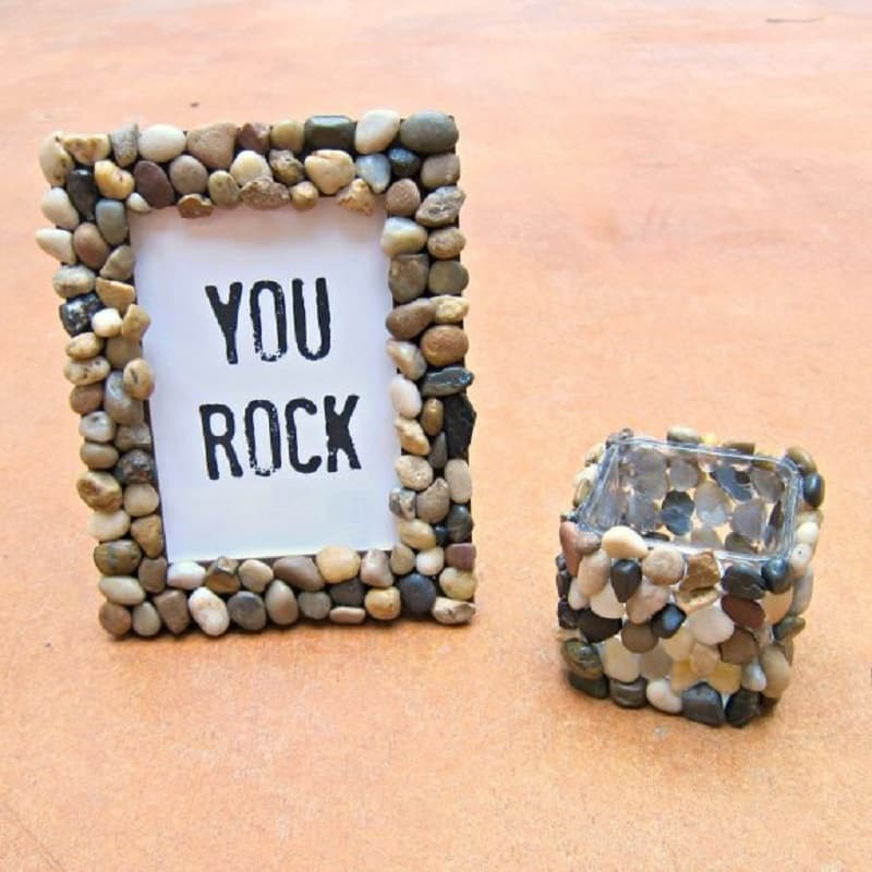 Pebble mosaic picture frame