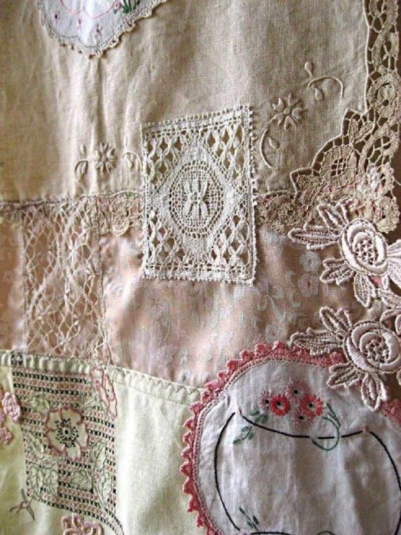 Vintage lace decal duvet