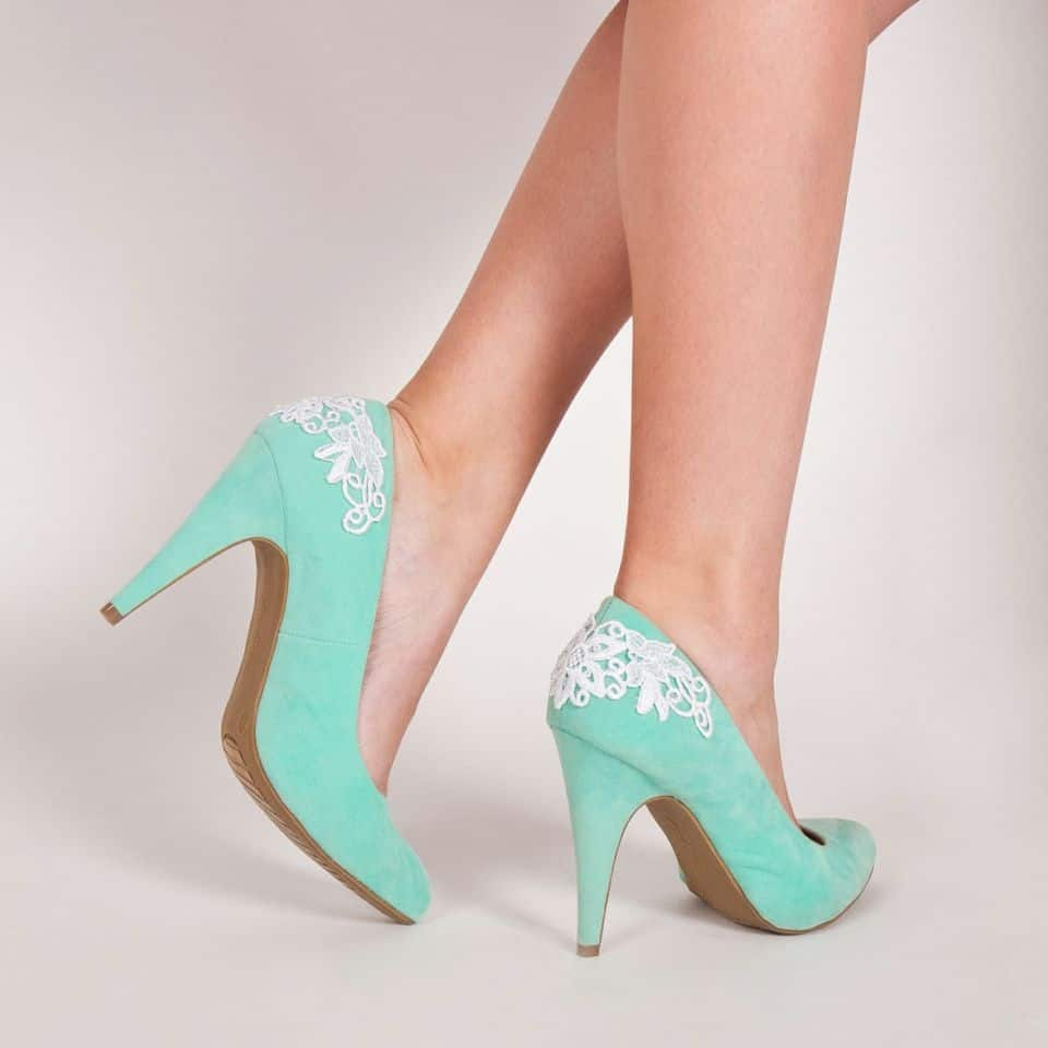 High heels with lace