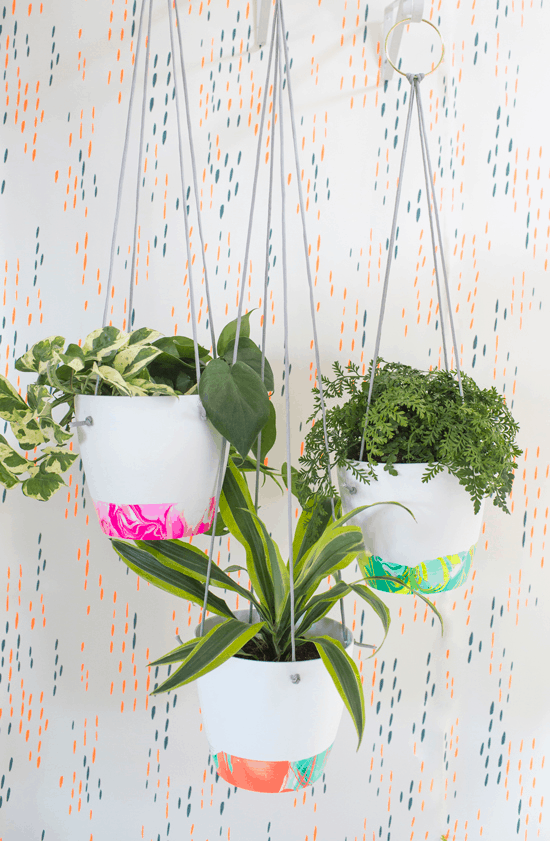 Marbled hanging planters