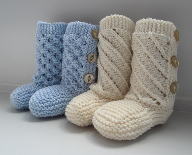 Nordic baby booties with buttons