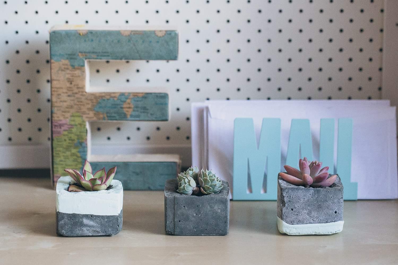 Tiny concrete planters