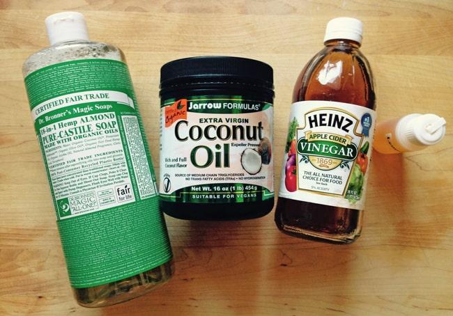 4-ingredient dog shampoo