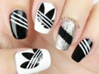 Chic Beauty of DIY Monochrome Nails