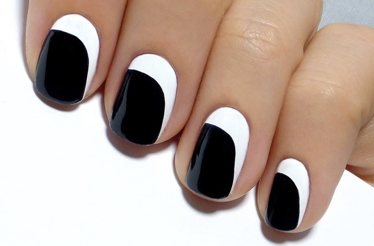 Asymmetrical crescent nails