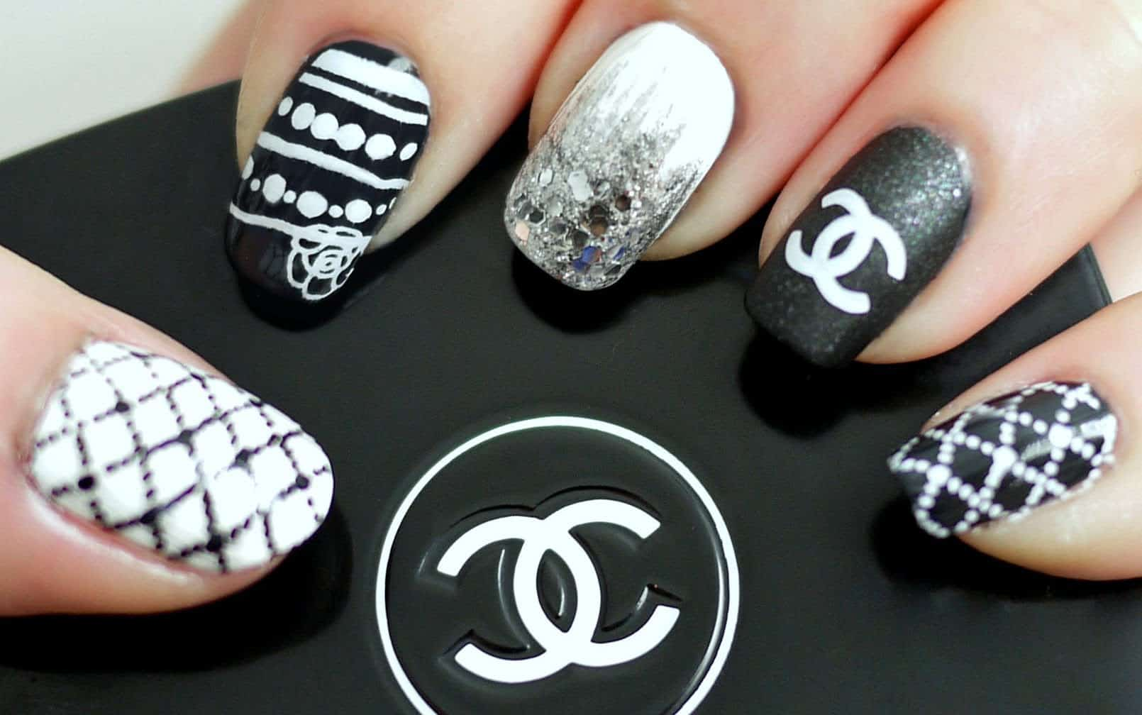 Chanel inspired monochrome nails