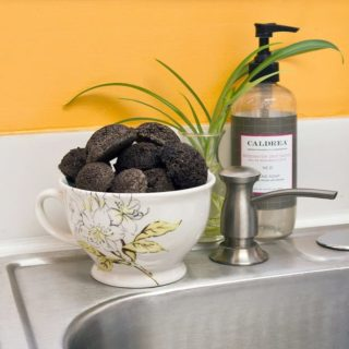 Refreshingly Creative: Eco-Friendly Ways to Reuse Coffee Grounds!