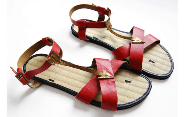 Leather arrow sandals