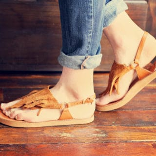 Enjoying Summer at its Breezy Best: Stylish DIY Sandal Designs