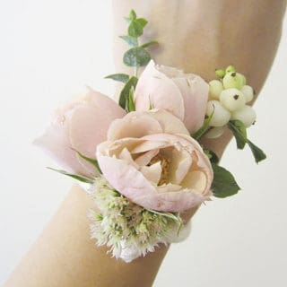 Gala Accessories: Charming DIY Wrist Corsages