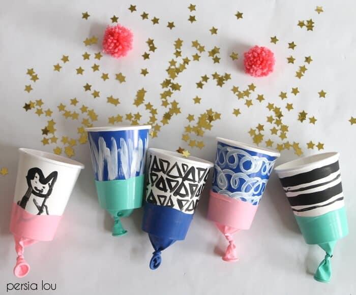 Balloon confetti poppers