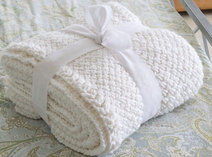 Bulky white blanket