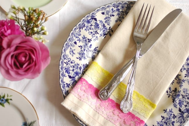 Cloth and lace napkins