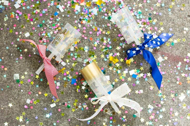 Confetti poppers with ribbon