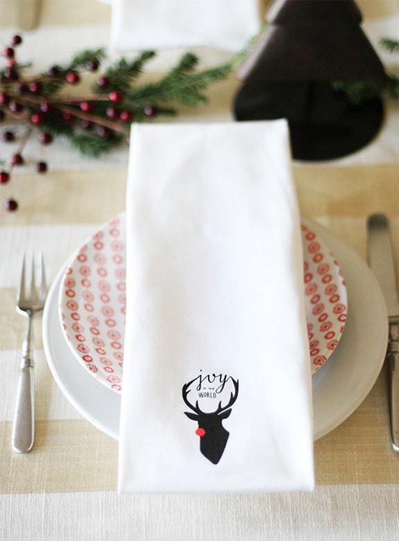 DIY Christmas napkins