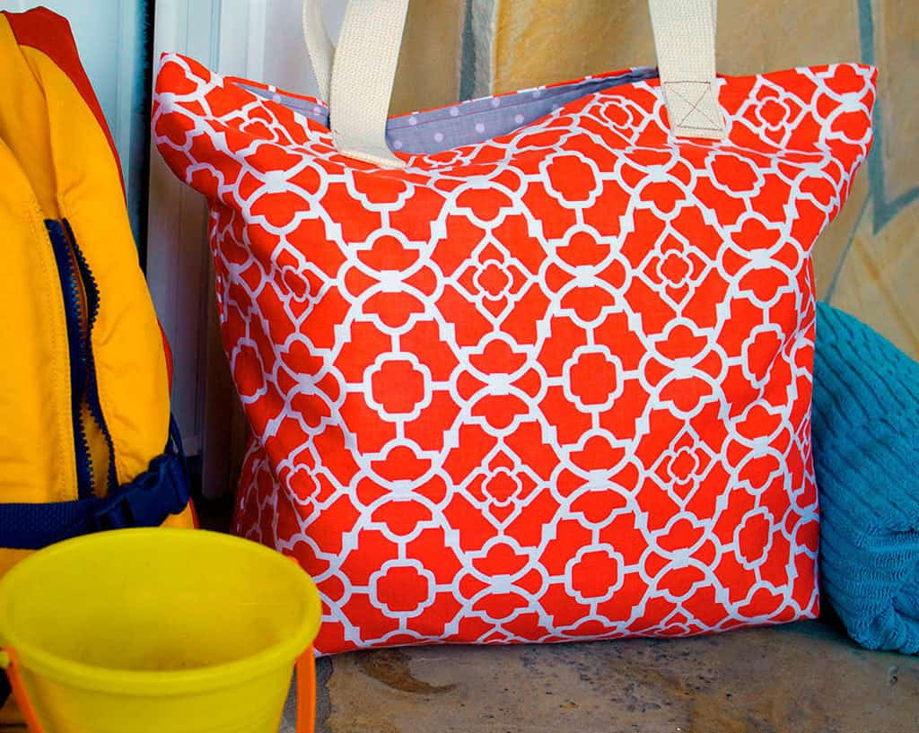 Double fabric beach tote