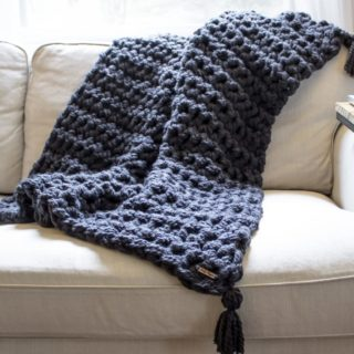 Chunky and Warm: Take a Look at Internet's Favorite DIY Bulky Blankets!