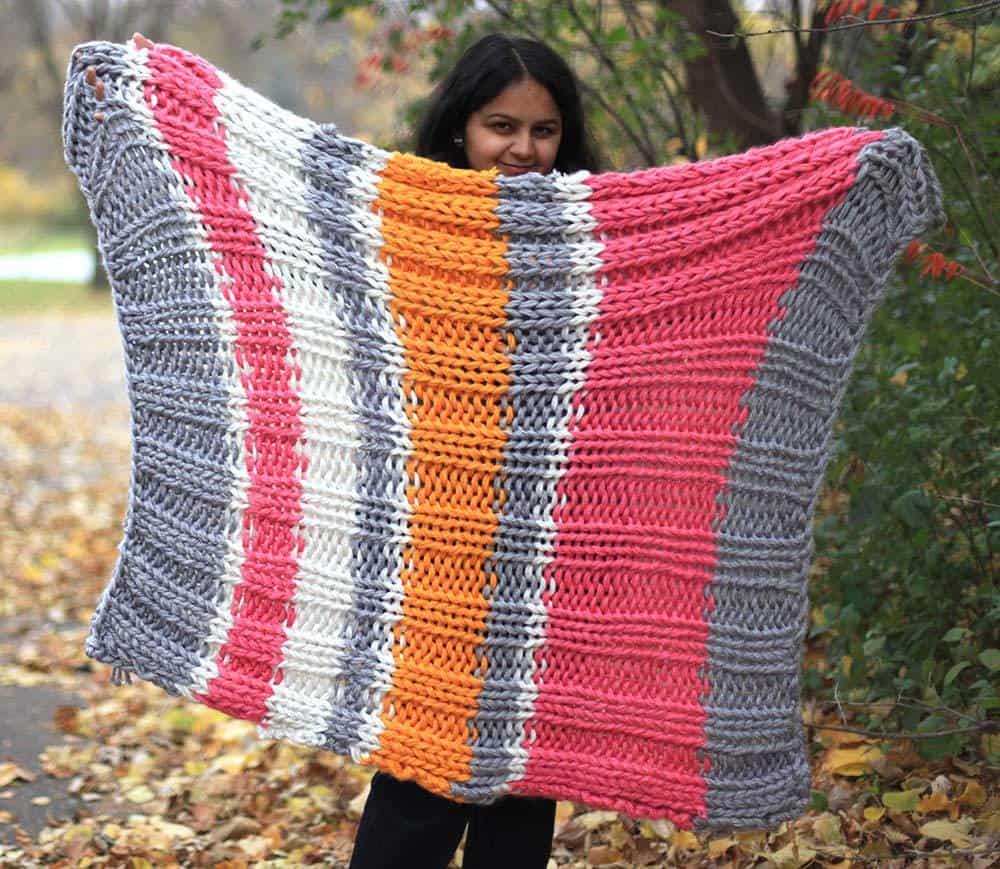 Knit cozy blanket