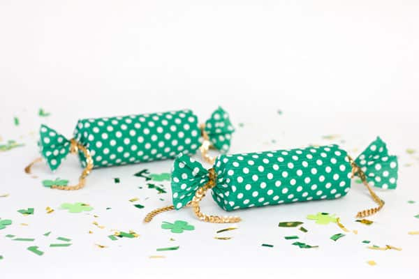 Lucky confetti poppers