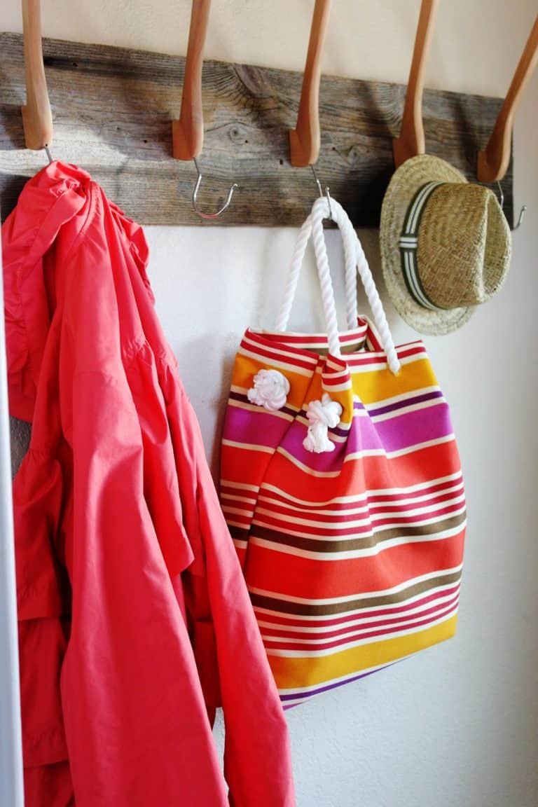 No-sew beach tote with rope handles