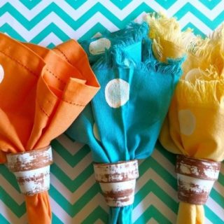 Decorate Your Dining Table in Homemade Style:Easy DIY Napkins